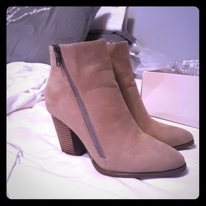 Taupe Zipper booties. Size 6